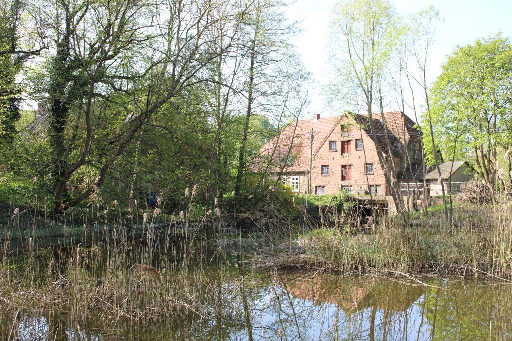 Wassermühle Reinshagen mit Mühlteich