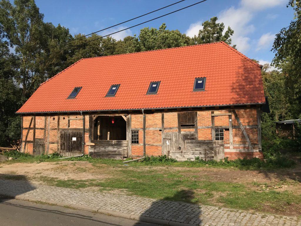 Mühlenscheune mit neuem Dach